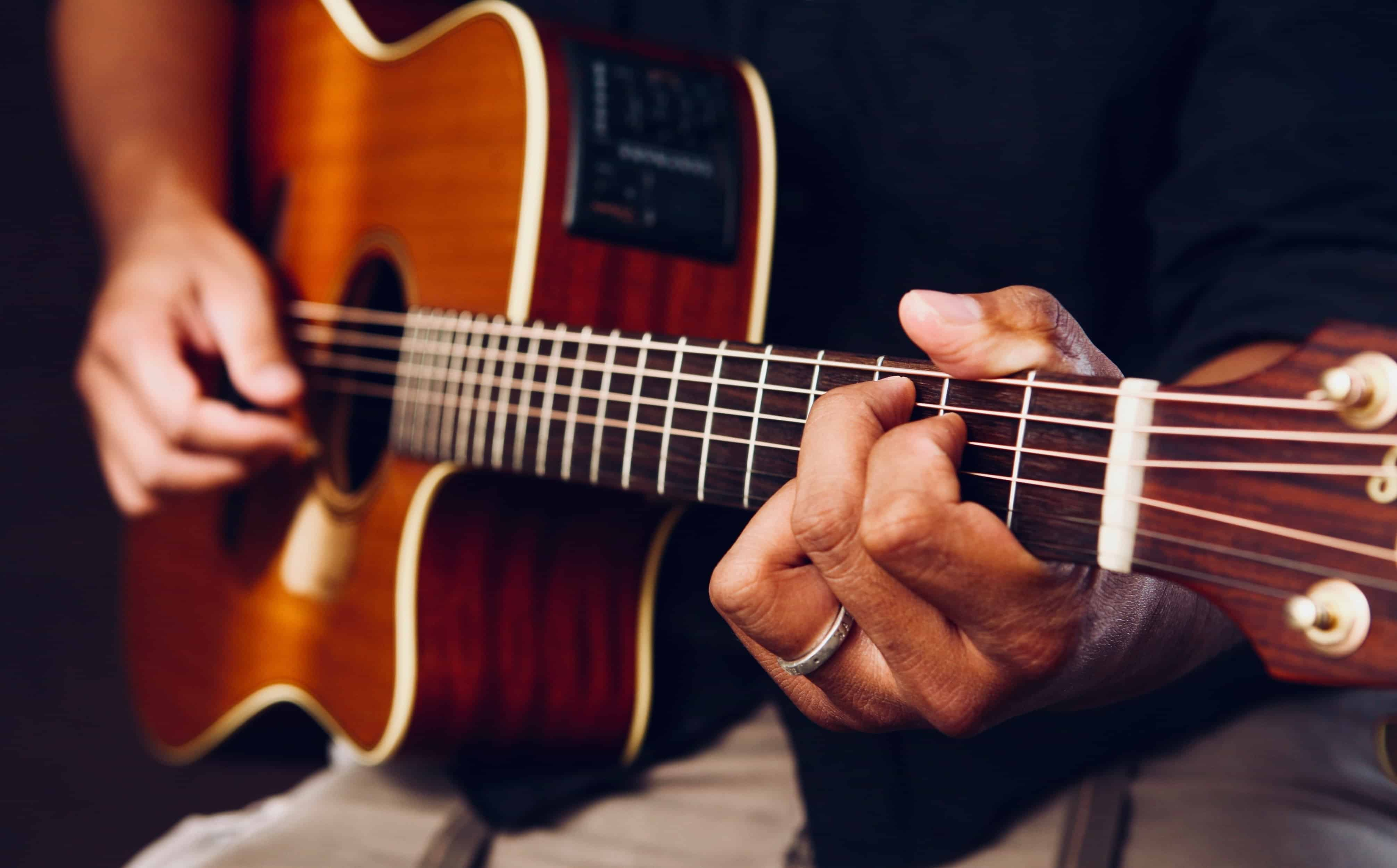 8 Great Offline Apps for Learning Guitar