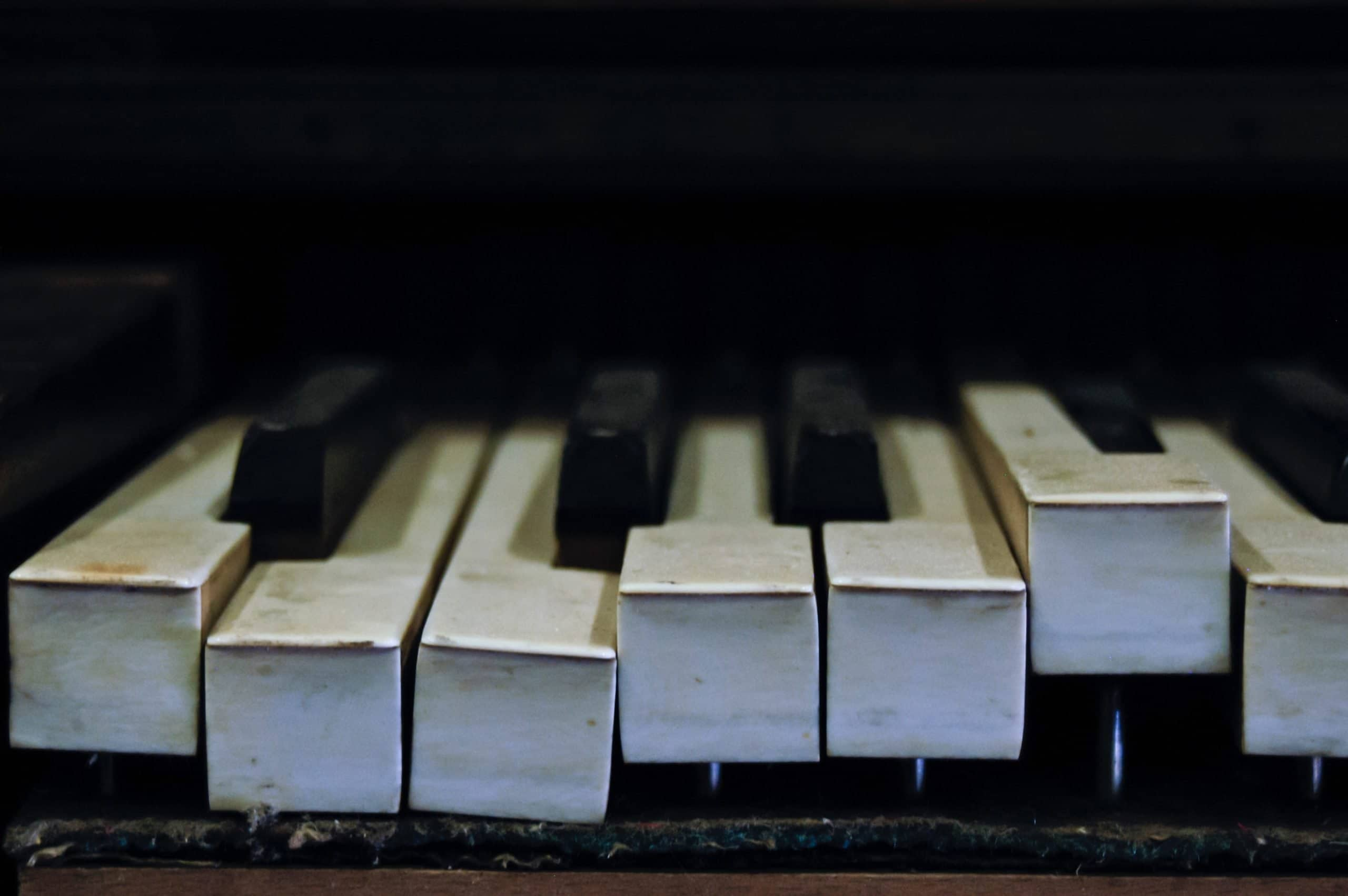 Broken piano keys | Check out my blog: matthewtrader.com/unsplash