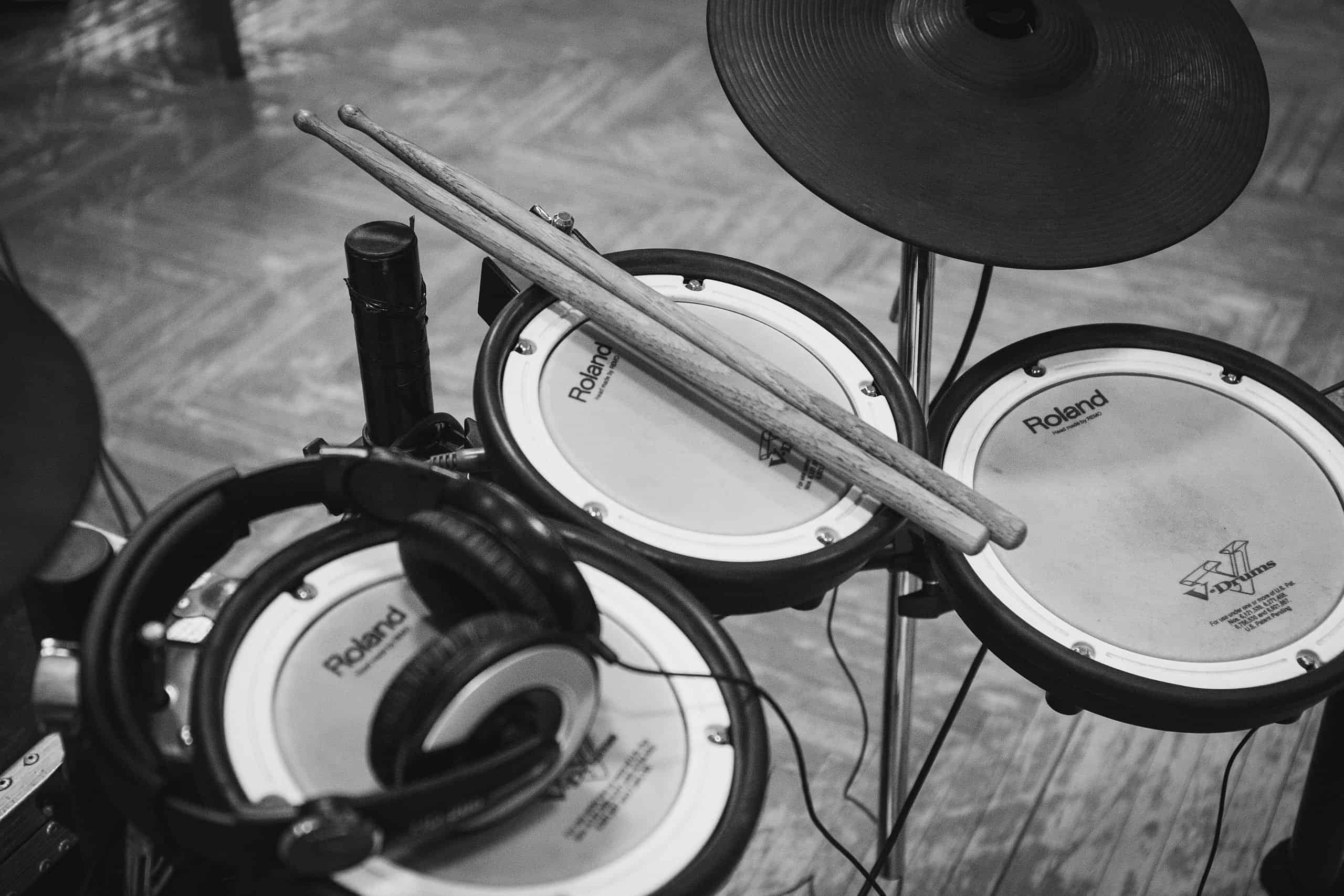 Roland drumset in black and white